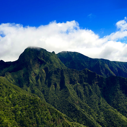 Over West Maui Mountains, Sony ILCE-7, Sony FE 24-240mm F3.5-6.3 OSS