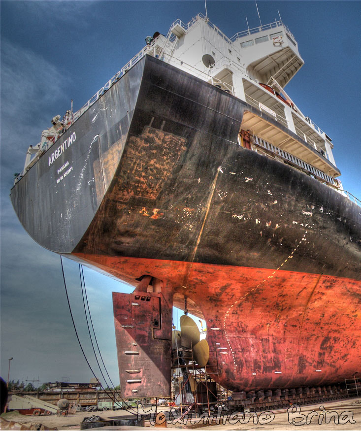 Photograph Playing at the shipyard by Maximiliano Brina on 500px