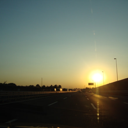 Driving into the Sunset, Sony DSC-W220