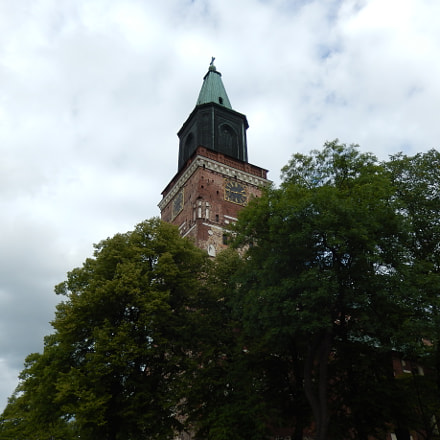 Turku Cathedral, Nikon COOLPIX S9500
