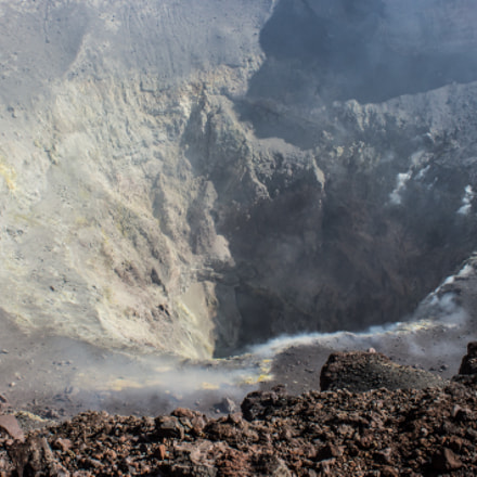 Smoking crater, Canon EOS 600D, Canon EF-S 18-55mm f/3.5-5.6 IS II