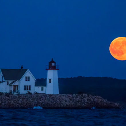 Moon Over Lighthouse, Canon EOS 7D MARK II, Canon EF 300mm f/2.8L IS II USM