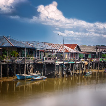 Riverside Houses In Kalimantan, Sony DSC-W1