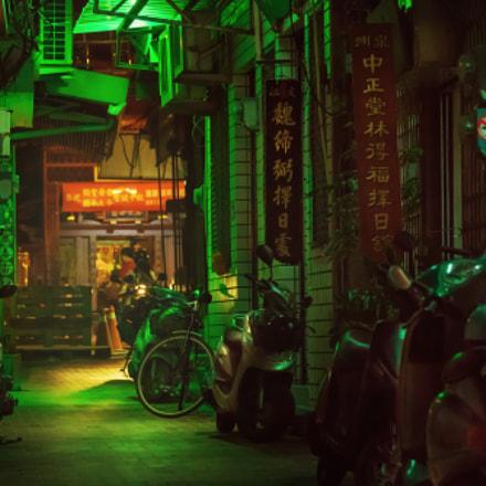 Nightly alley(台南武廟巷內)