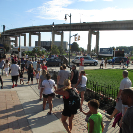 Canalside Crowd 1 20160827, Canon POWERSHOT ELPH 135