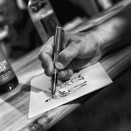 Drawing Hands, Canon EOS 7D MARK II, Canon EF 17-40mm f/4L
