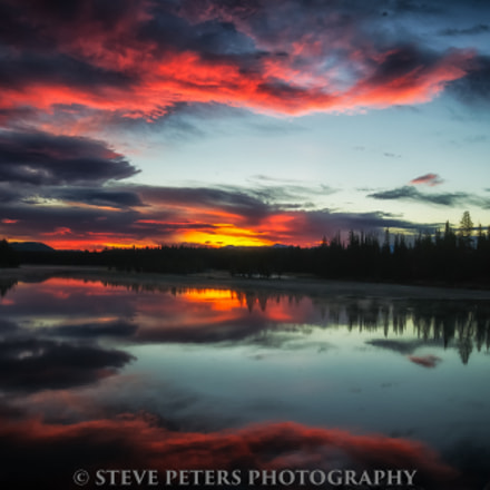 Sunrise-No Fishing Bridge-Yellowstone Lake, Sony DSLR-A850, Sigma 17-70mm F2.8-4.5 (D)
