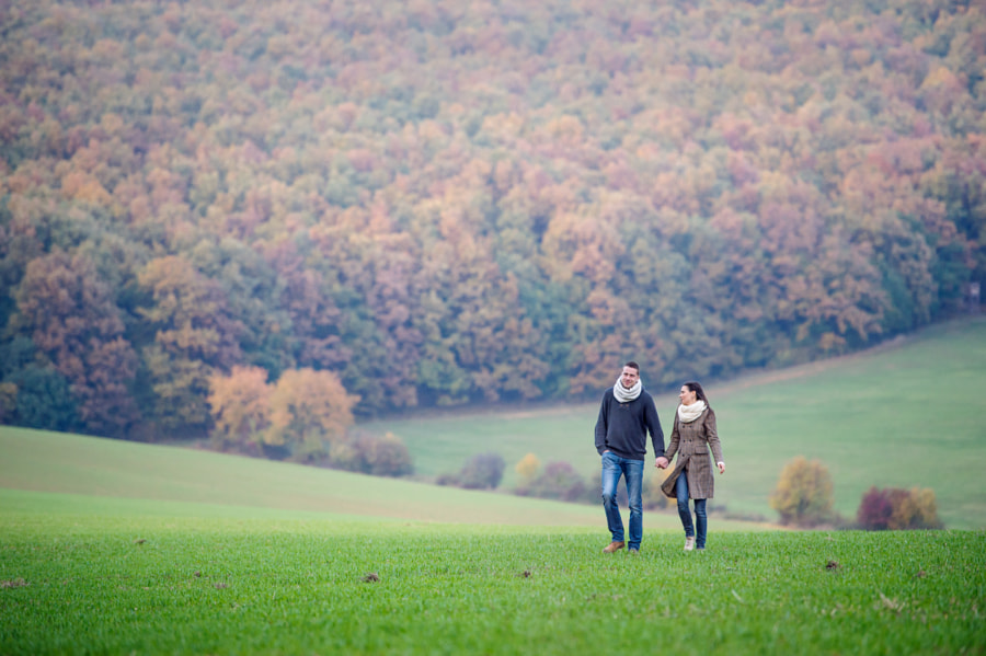 couple poses - Beautiful young couple on a walk. Colorful autumn nature. by Jozef Polc on 500px.com