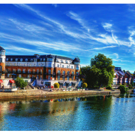 Staines upon thames, Sony DSC-RX10, 24-200mm F2.8