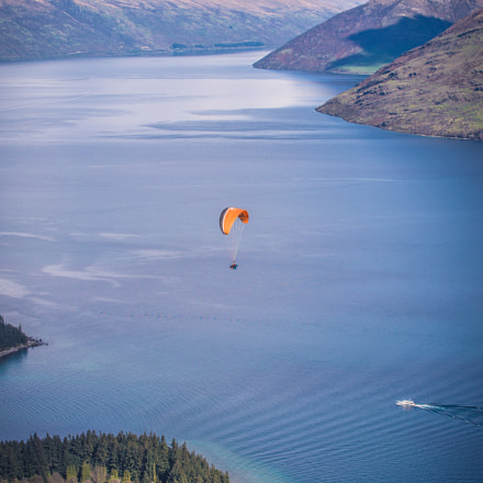 Paragliding over Queenstown, Nikon D600, AF-S VR Zoom-Nikkor 70-200mm f/2.8G IF-ED
