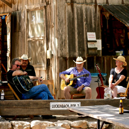 Pickin Live at Luckenbach, Canon EOS 70D, Canon EF 70-300mm f/4-5.6L IS USM