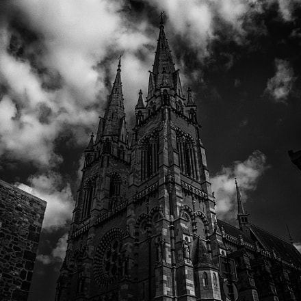 The cathedral in Moulins, Sony SLT-A77V, Sony DT 16-105mm F3.5-5.6 (SAL16105)