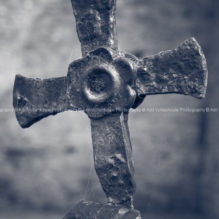 Cross by Timoleque Abbey