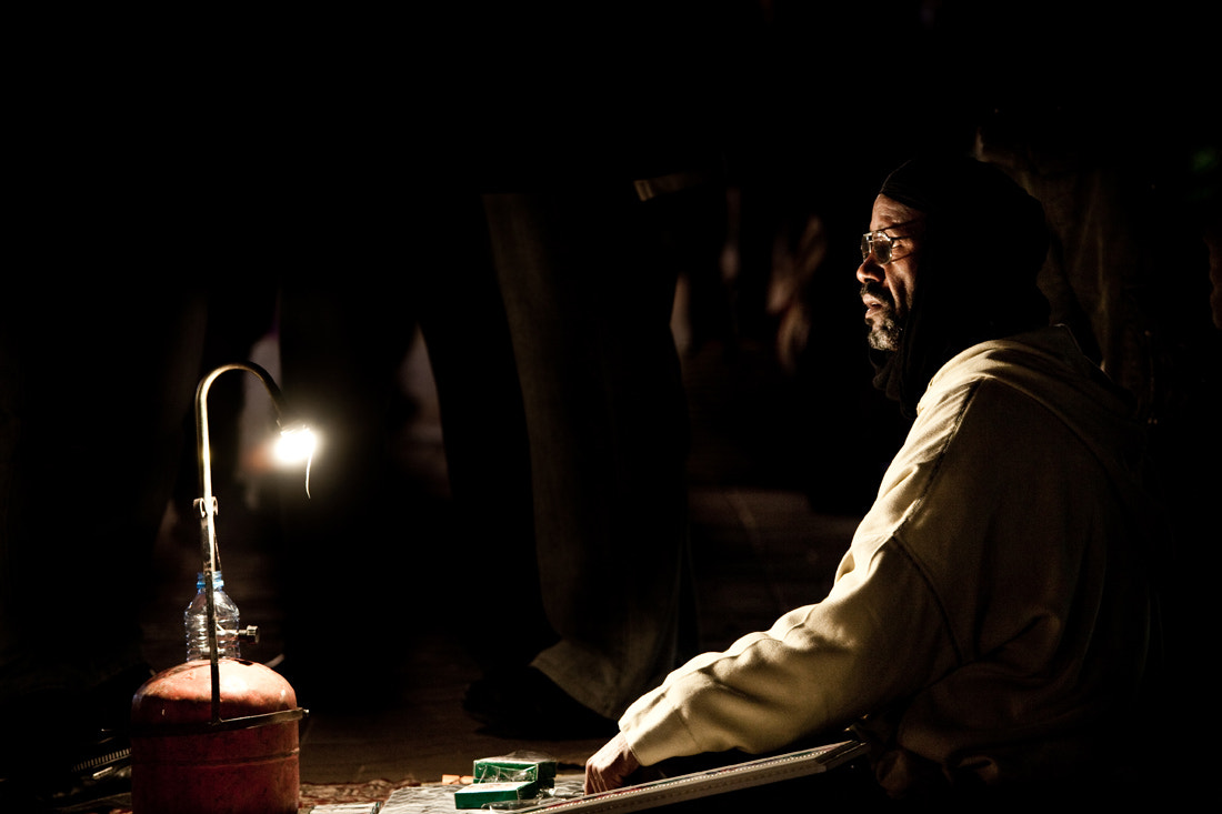 Photograph Seller with a lamp by Philippe CAP on 500px