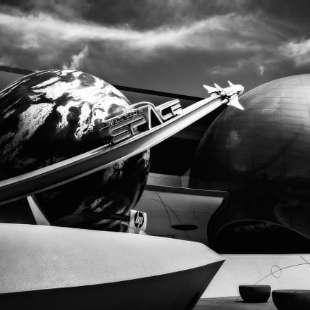 Mission Space (b&w), Sony ILCE-6000, Sony E 20mm F2.8