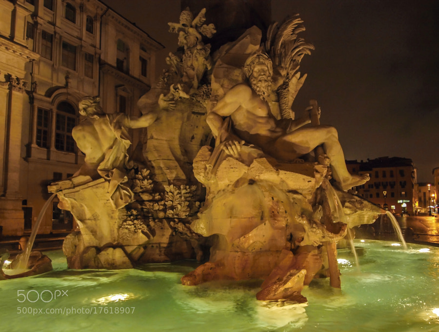 Photograph Piazza Navona, Roma by Enzo Crispino on 500px