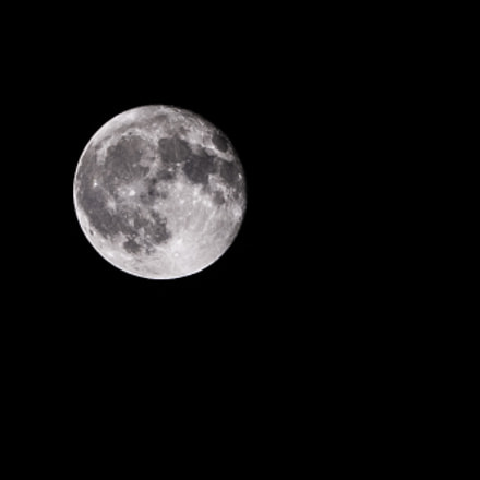 beautiful moon, Nikon D50, AF-S DX Zoom-Nikkor 55-200mm f/4-5.6G ED