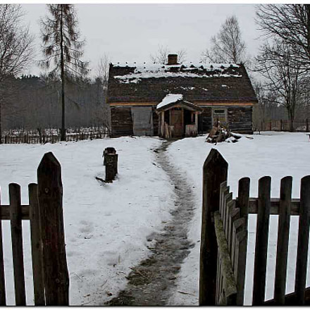 house in winter, Canon POWERSHOT G11