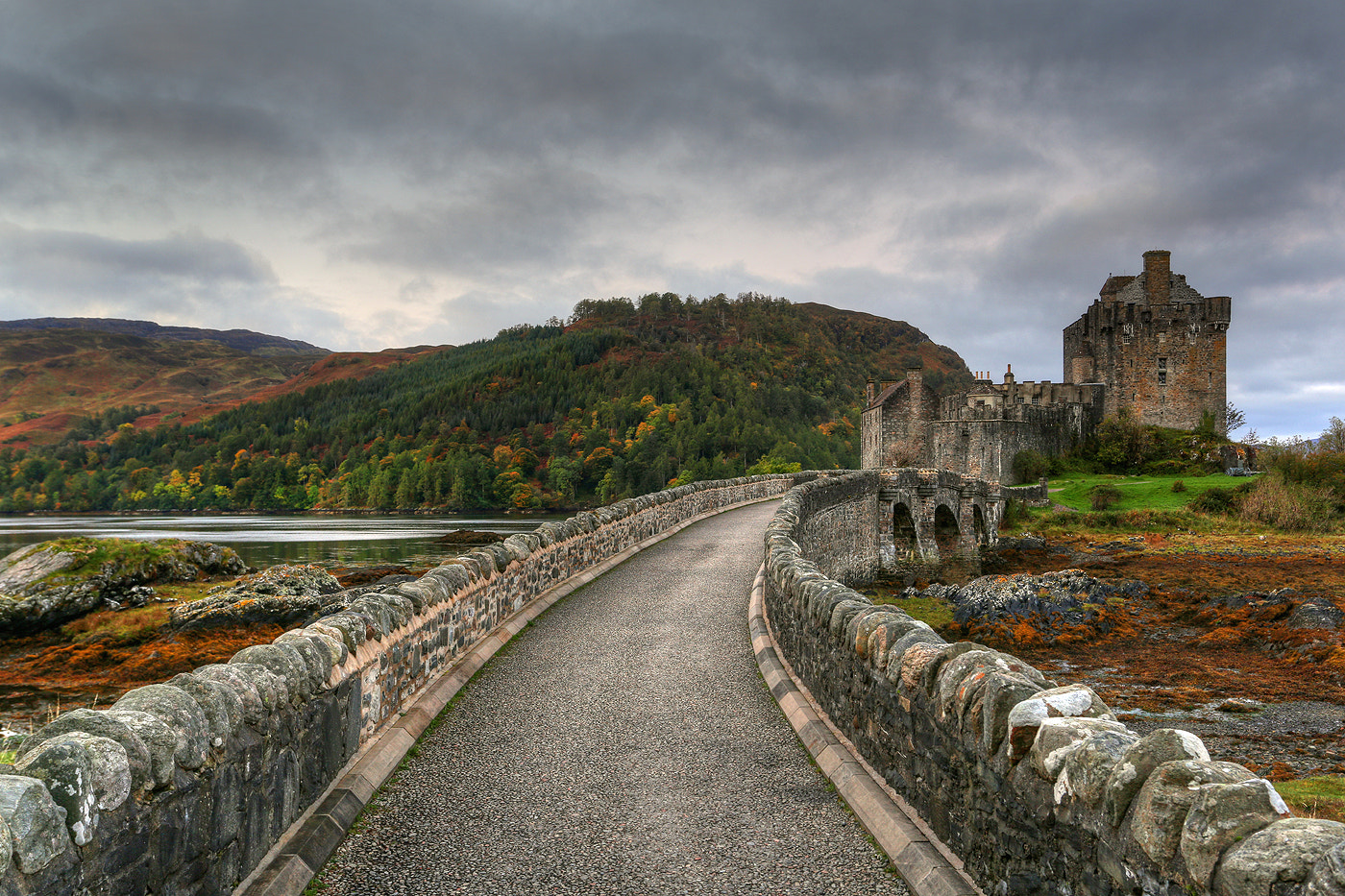 Photograph Eilean Donan Castle by Alan Coles on 500px