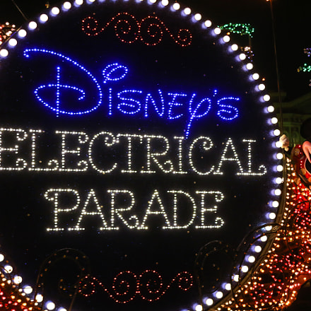 Disney's Electrical Parade, Canon EOS 70D, Canon EF 28-135mm f/3.5-5.6 IS