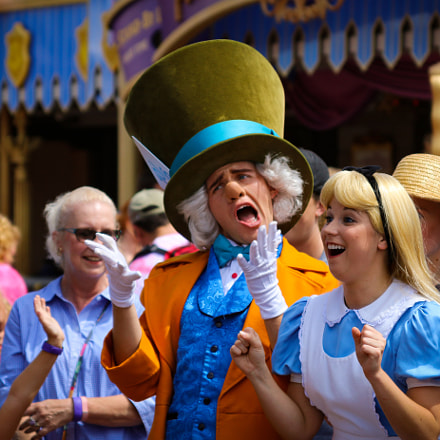 Mad Hatter and Alice, Canon EOS 70D, Canon EF 28-135mm f/3.5-5.6 IS