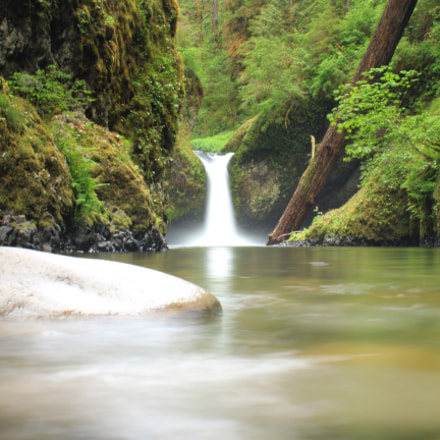Punchbowl Falls, Canon EOS REBEL T3I, Canon EF-S 18-55mm f/3.5-5.6 IS II