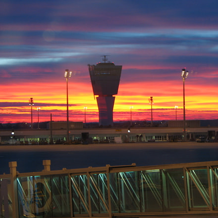 Sunrise at Airport Munich, Canon POWERSHOT S2 IS