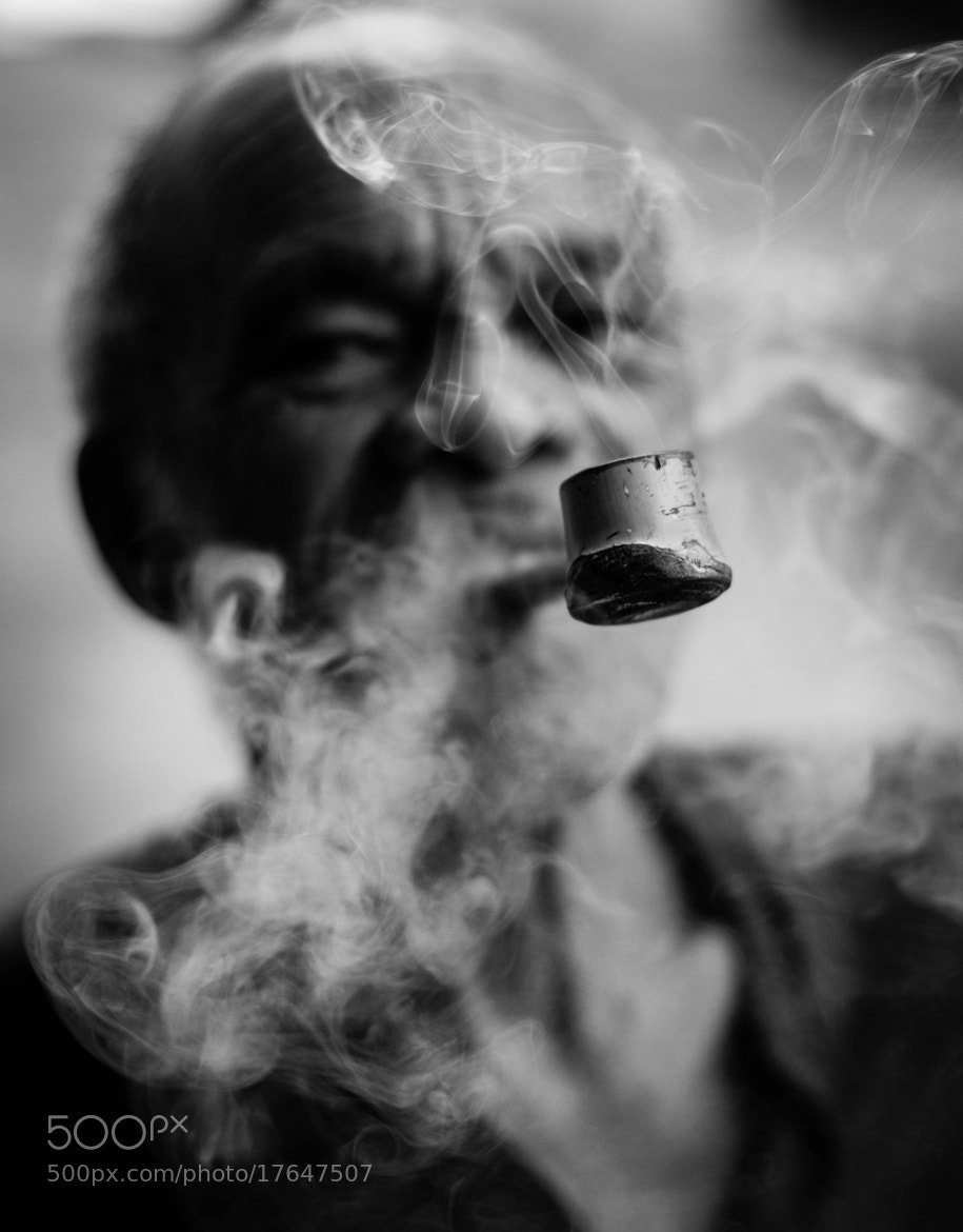 Photograph The pipe and the old folk by Andrés Prado Henkle on 500px