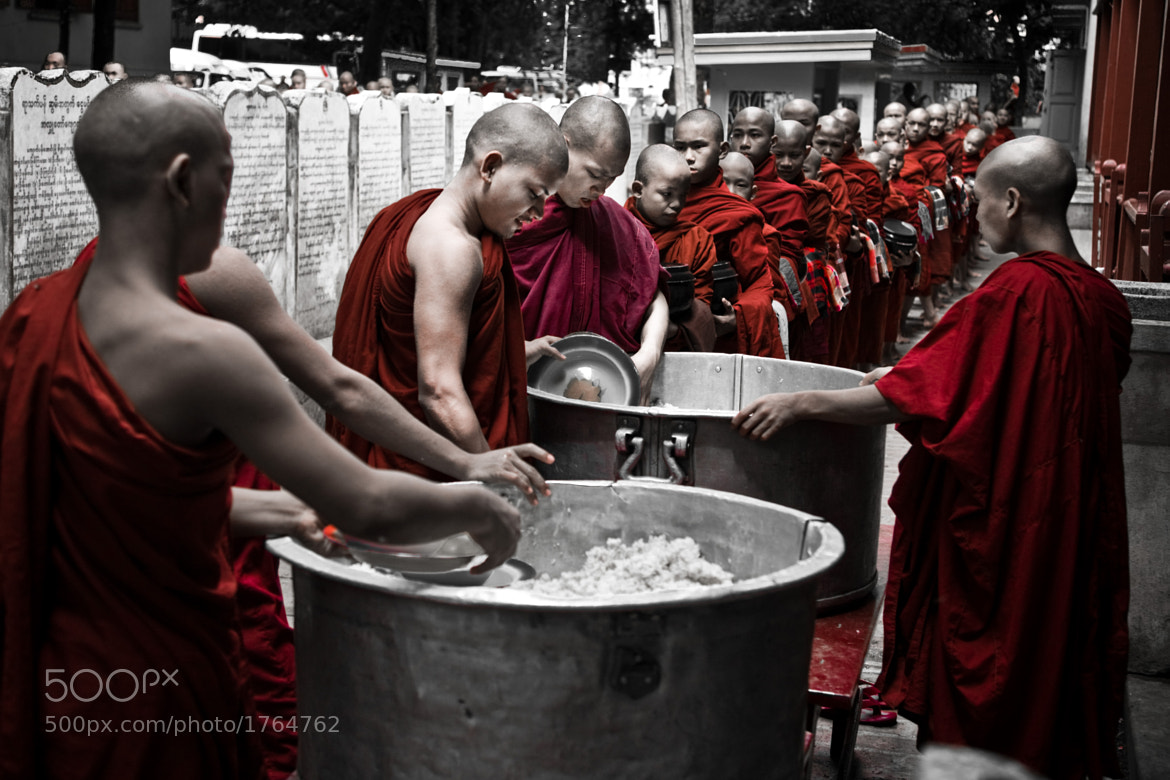 Photograph  Monks at the queue of lunch time by Iñigo Escalante on 500px