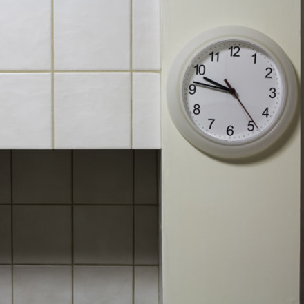 Kitchen clock, Canon EOS 700D, Canon EF-S 18-55mm f/3.5-5.6 IS STM