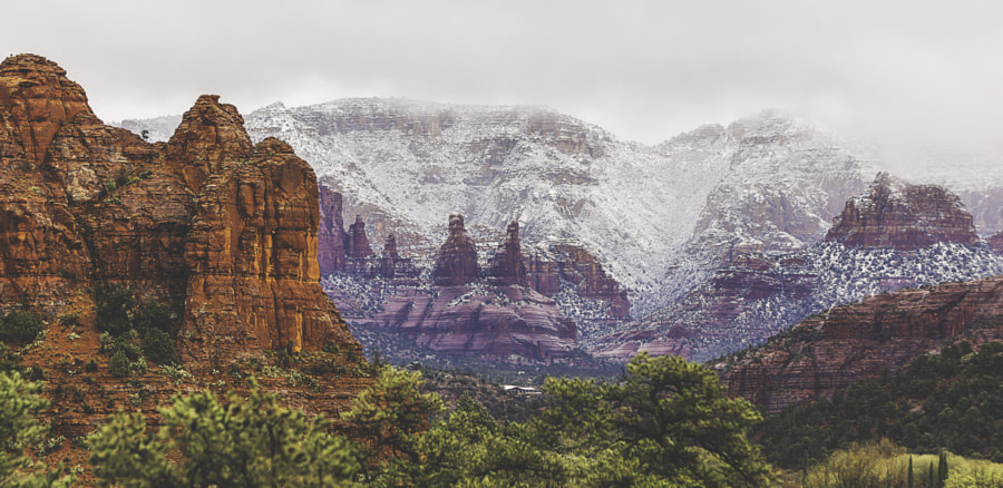 Snow over the red rocks of Sedona