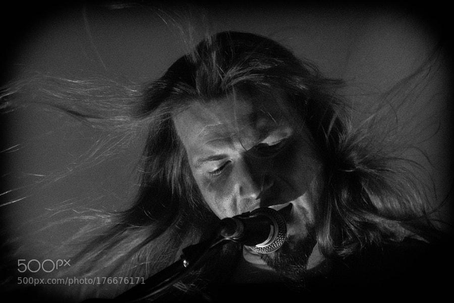 Singer's hair in a air
