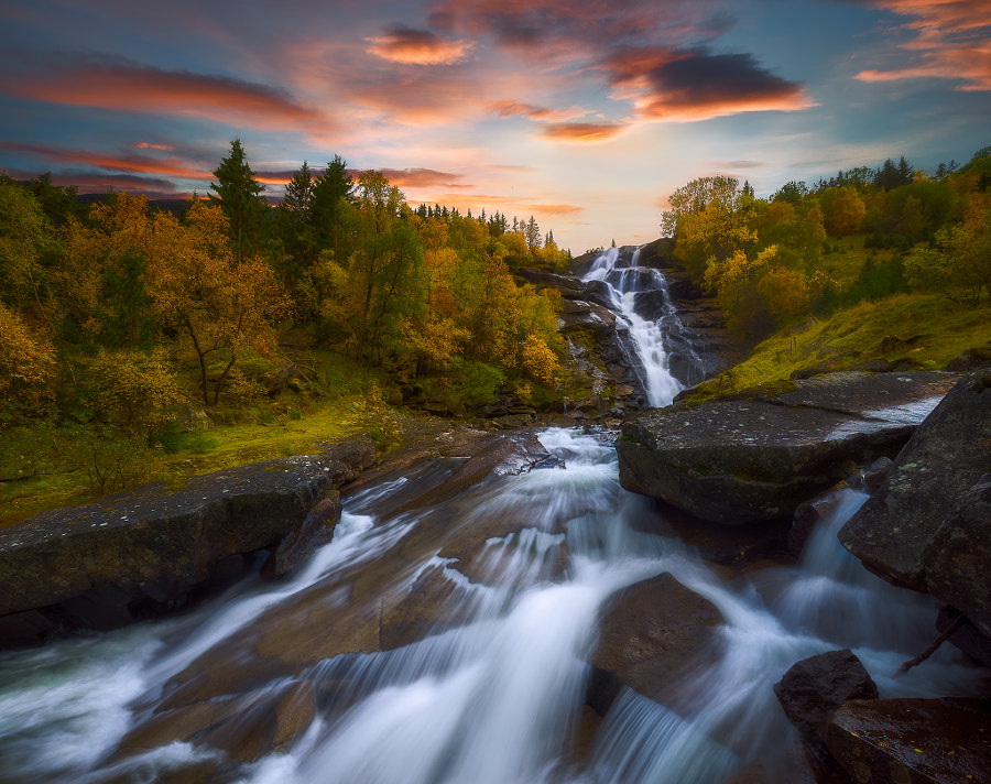 Falling by Ole Henrik Skjelstad on 500px.com