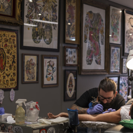 Inking someone, Canon EOS 70D, Canon EF 35mm f/2 IS USM