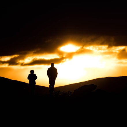 Walking into the Sunset, Canon EOS 80D, Canon EF-S 55-250mm f/4-5.6 IS STM