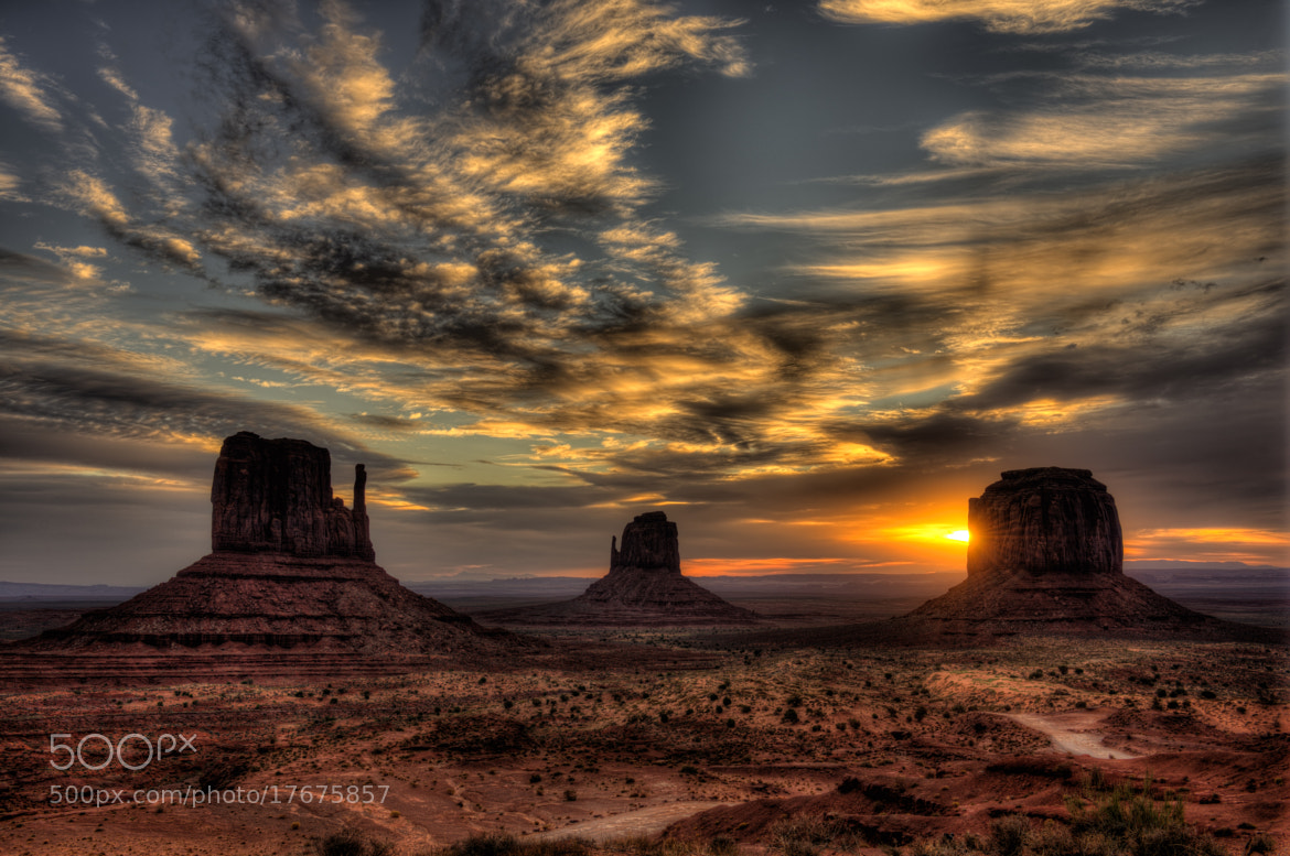 Photograph Monument Valley by Howard Kilgour on 500px