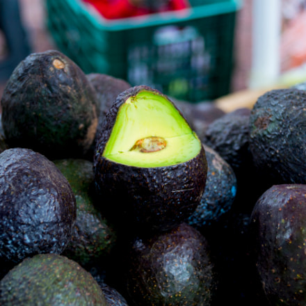 Aguacate, Sony SLT-A57, DT 18-55mm F3.5-5.6 SAM