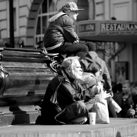 Picadilly. London, Canon EOS 1100D, Sigma 50-200mm f/4-5.6 DC OS HSM + 1.4x