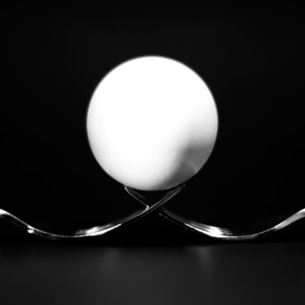 egg and forks, Sony SLT-A57, Sony 50mm F1.4 (SAL50F14)