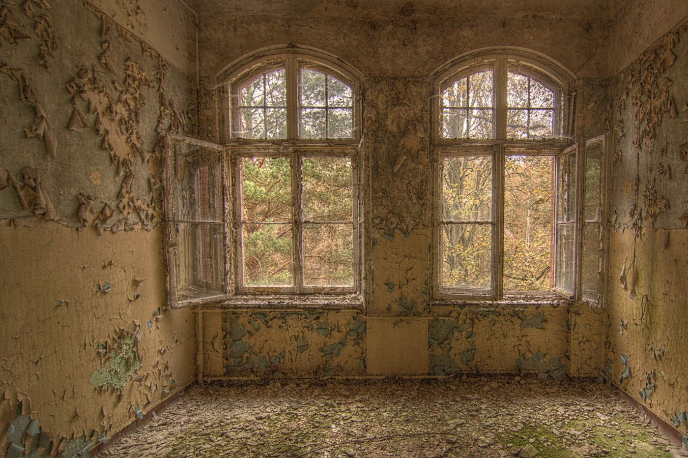 Photograph Fenster 7 by Michael Spahn on 500px