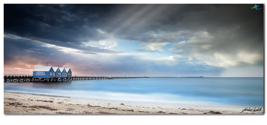 After the final day finished of the Ninety Degrees Five (ND5) seminar/workshop, I found myself wondering where I could get one last photograph before setting out for our 3 hour drive back up to the northern suburbs of Perth. Busselton Jetty was an easy choice, with its bridge stretching out almost 2km into Geographe Bay, this iconic jetty is the southern hemispheres longest wooden jetty.