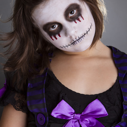 the girl wearing halloween, Canon EOS 7D, Canon EF 24-70mm f/2.8L