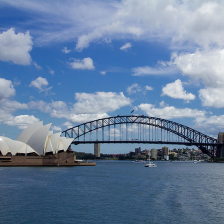 Harbour Bridge and Opera, Canon EOS 550D, Canon EF-S 18-135mm f/3.5-5.6 IS