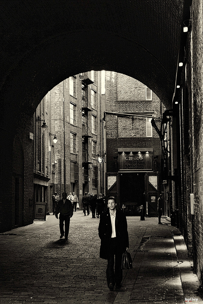 Photograph corner of london by Hegel Jorge on 500px