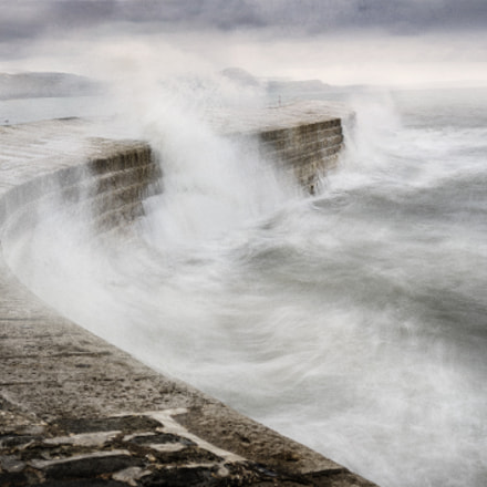 storm at the cobb, Sony ILCE-7RM2, Sony FE 24-70mm F4 ZA OSS