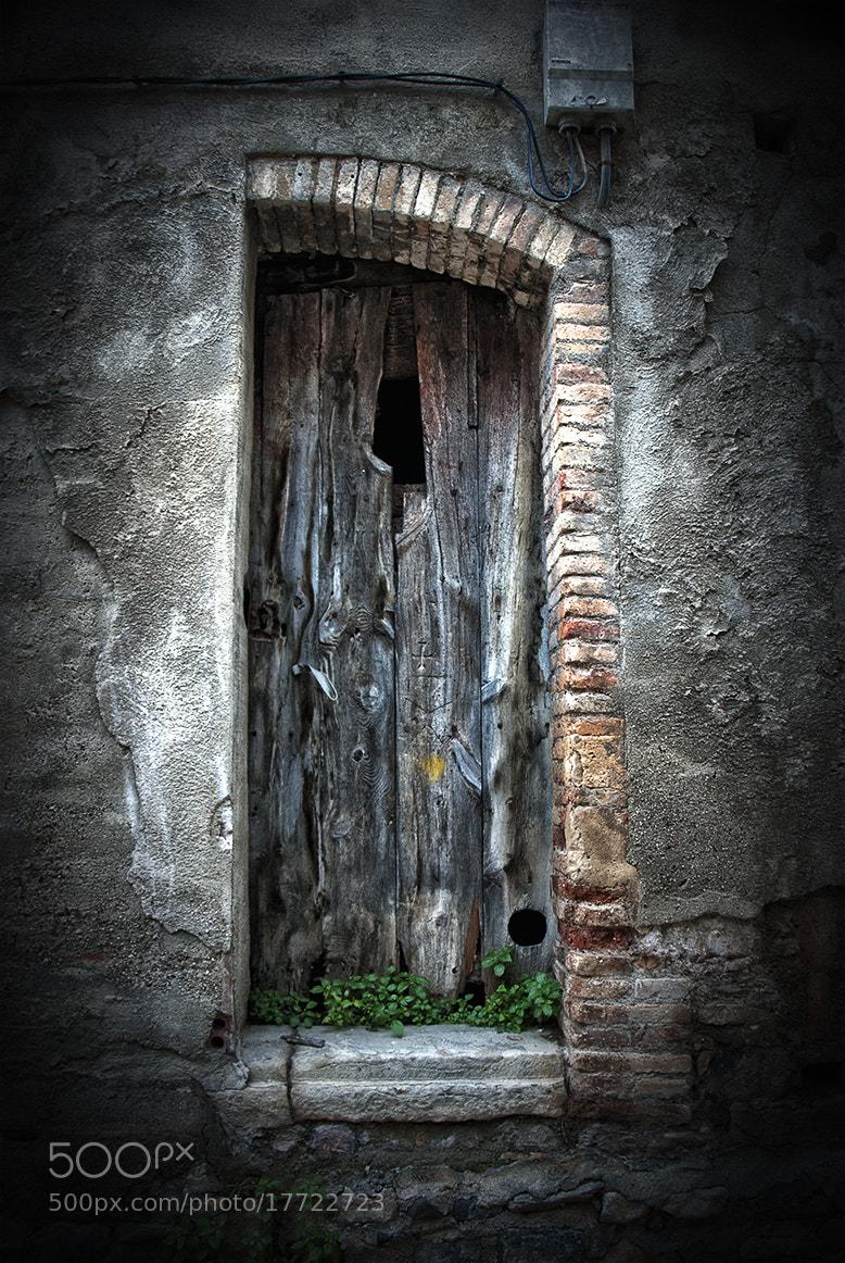 Photograph Medio arco/Media puerta by Juan Carlos Arranz on 500px