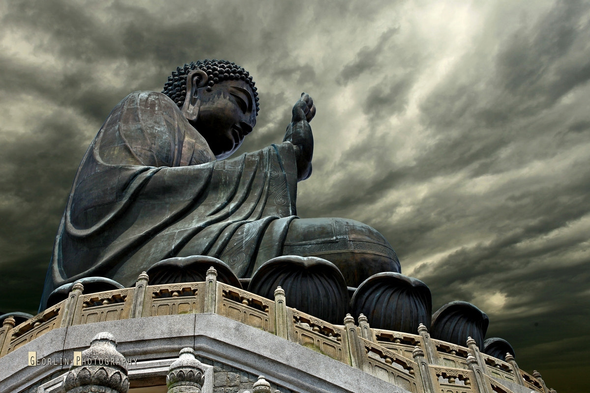 Photograph the Giant Buddha (2) by GeorlinPhoto Hung on 500px