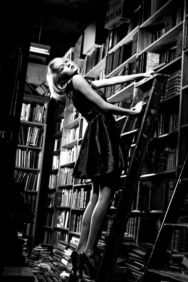 Photograph reading helps you reach the top of the career ladder by Photocillin ! on 500px