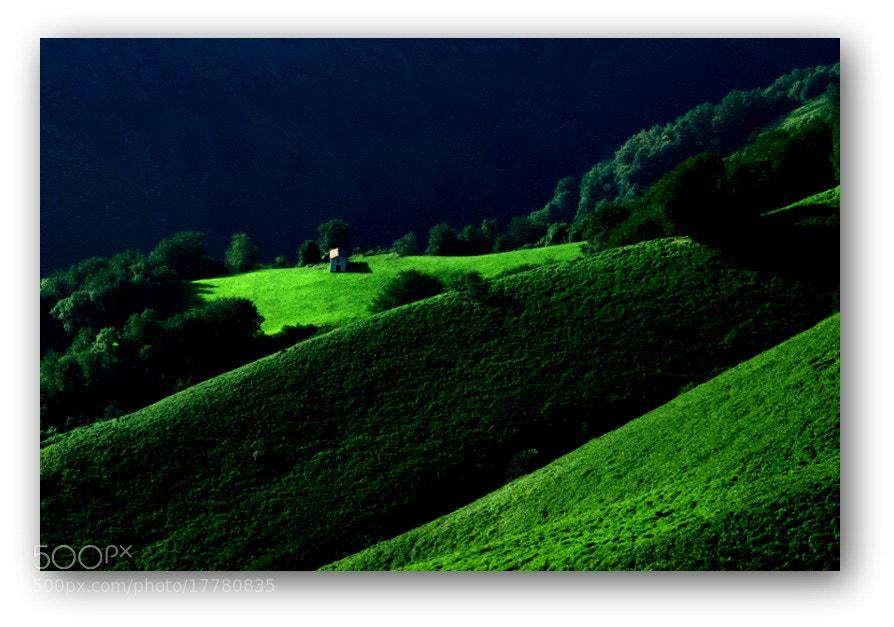 Camino de Santiago 2012  Huntto - Roncesvalles VI.  _____________________________  El Camino del guerrero nos plantea un reto:   Debemos salir de nuestro interior y aventurarnos en el espacio,  mostrando valentía y ternura al mismo tiempo.   C. T.