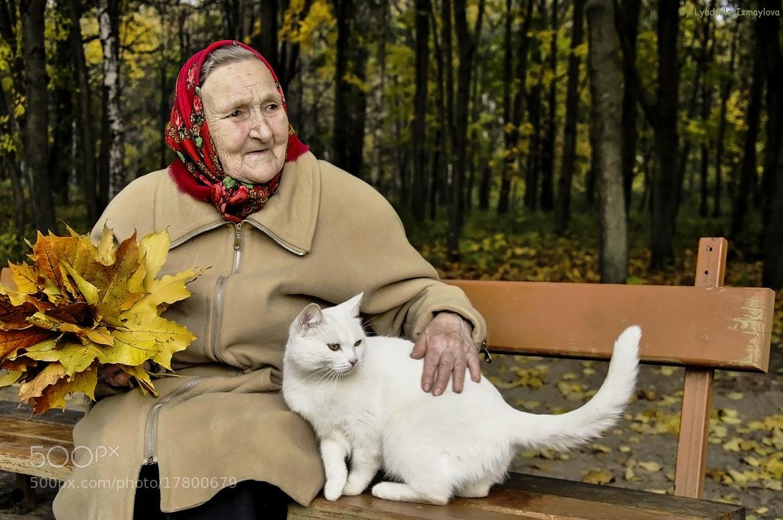 Photograph mother and cat by Lyudmila Izmaylova on 500px